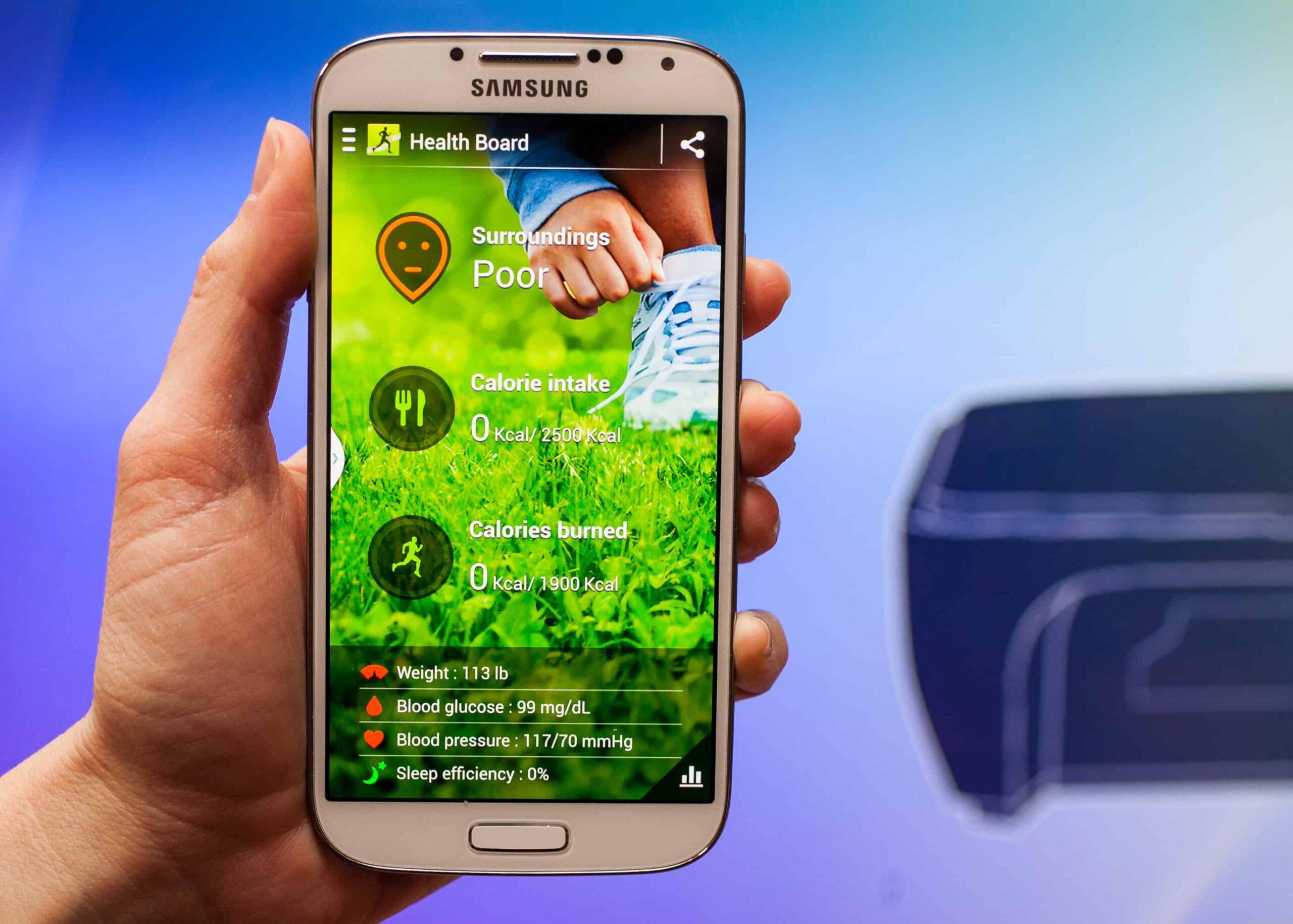 Galaxy-S4-Best-Smartphone-below-20K-INR-April-2015